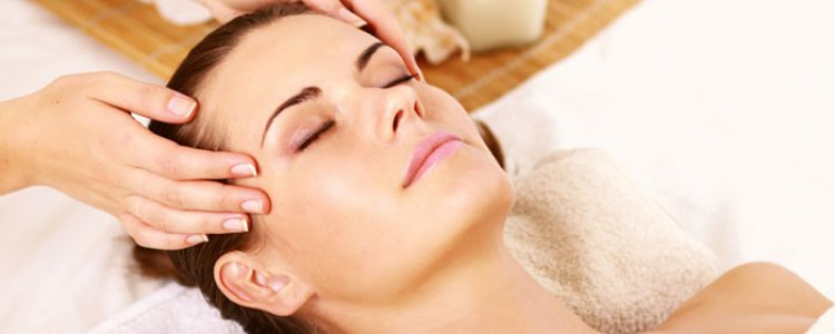Vinotherapy Massage in Pune to Get Glowing Skin