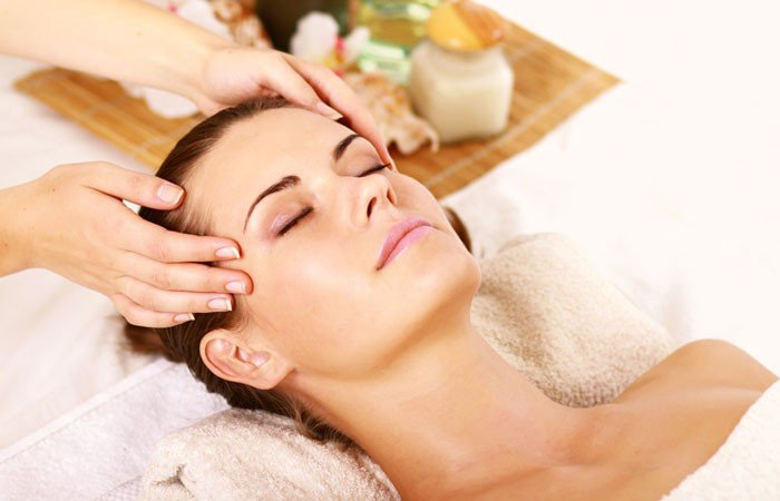 Vinotherapy Massage to Get Glowing Skin
