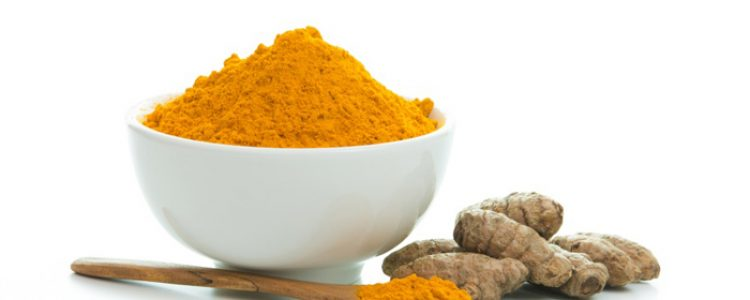 Skin Whitening: 4 DIY Formulas That Use Turmeric